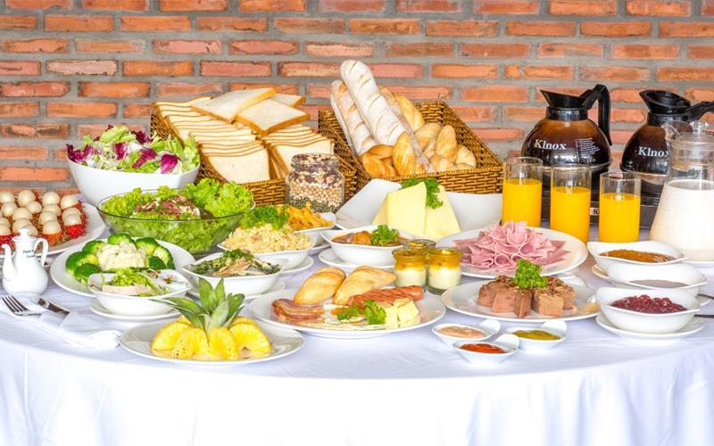 Image result for buffet sáng tại ks phú Quốc