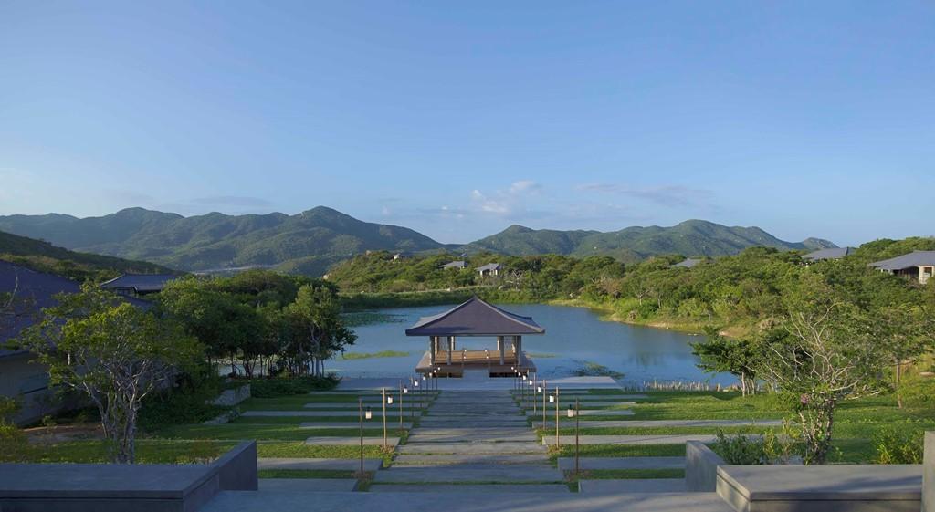 Có gì trong resort 6 sao với căn phòng trị giá 100 triệu/ đêm ở Việt Nam?
